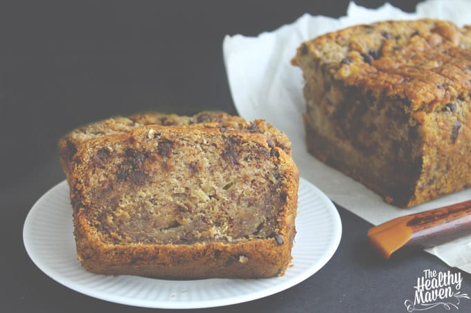 The Best Gluten-Free and Vegan Banana Bread // thehealthymaven.com #glutenfree #vegan