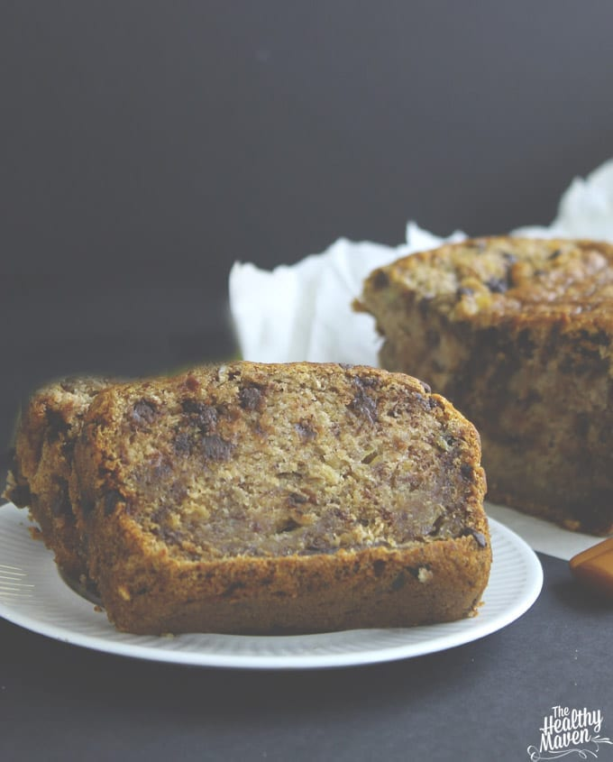 The Best Gluten-Free and Vegan Banana Bread // thehealthymaven.com #glutenfree #vegan #bananabread