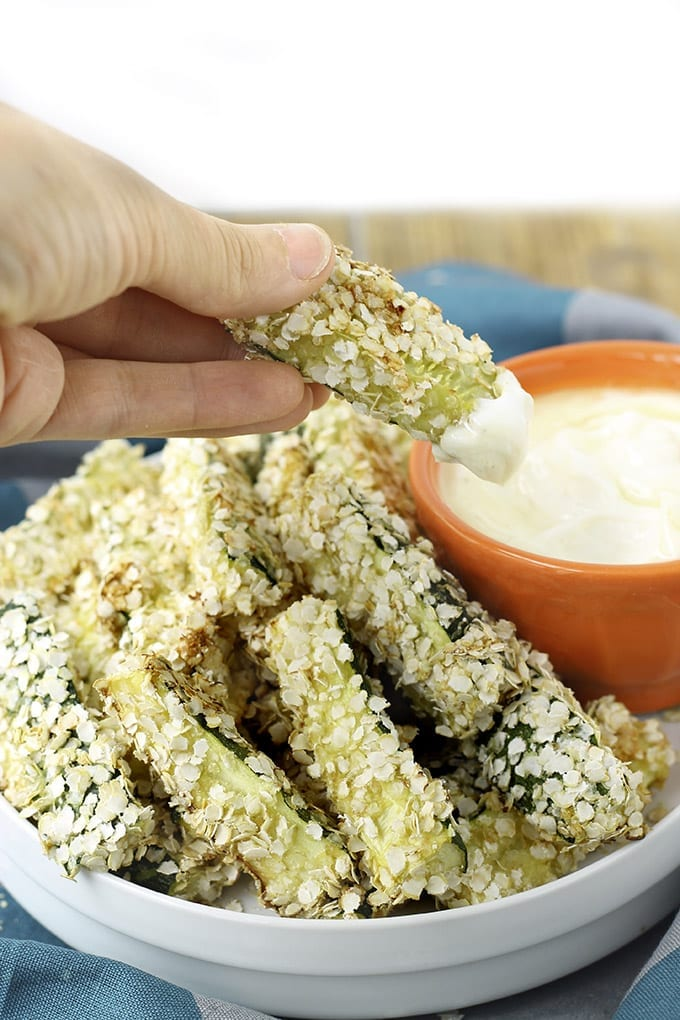 Quinoa Encrusted Zucchini Sticks with Honey Mustard Dipping Sauce // thehealthymaven.com