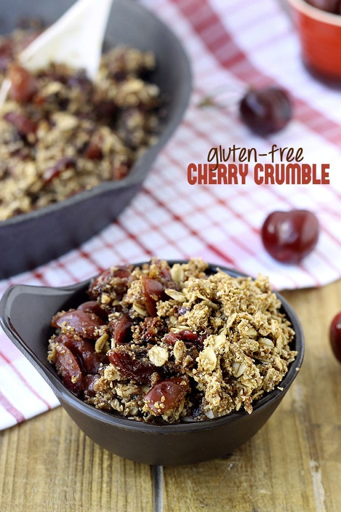 Gluten-Free Cherry Crumble // thehealthymaven.com #glutenfree #vegan