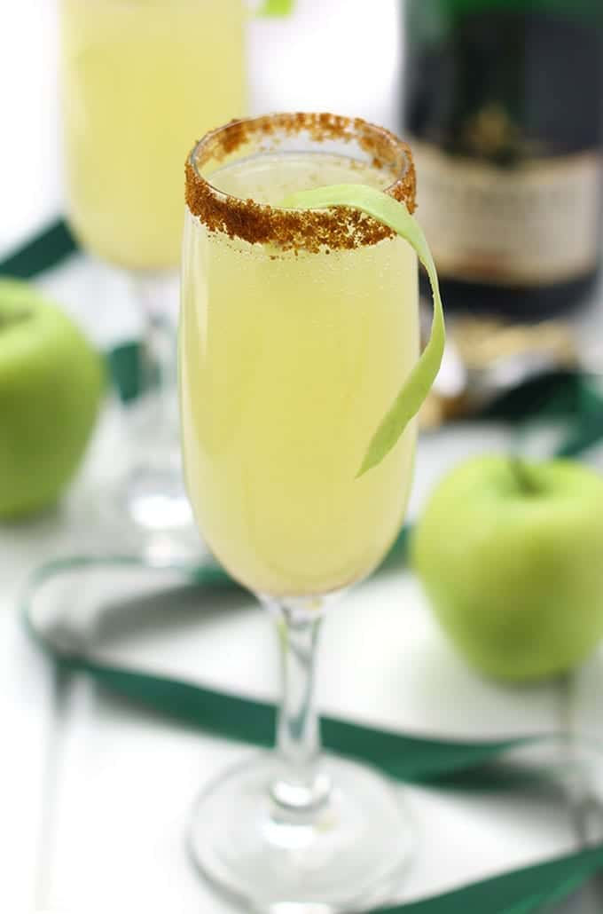 Apple Spiced Mimosas- a festive cocktail recipe for New Years, brunch or your next dinner party!
