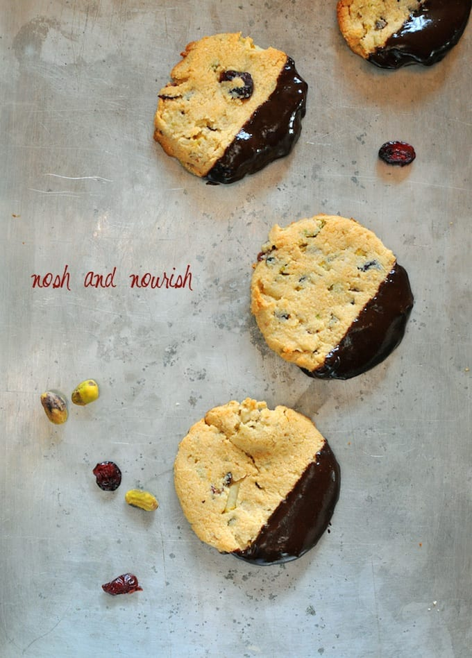 Paleo Shortbread Cookies plus FIVE healthy holiday cookie recipes!
