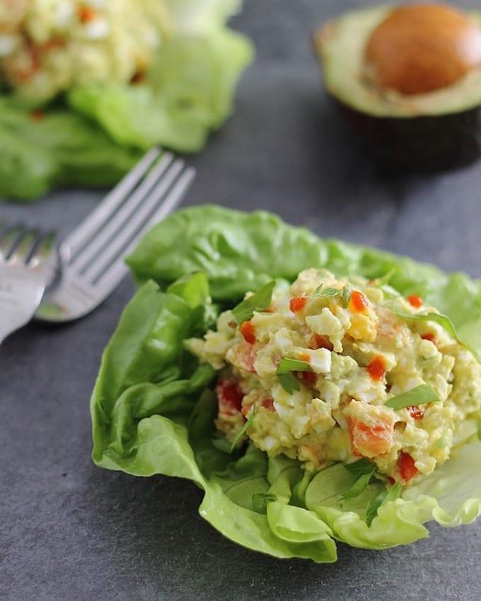Creamy-avocado-sriracha-egg-salad