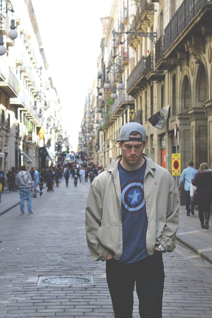 walking-around-Barca