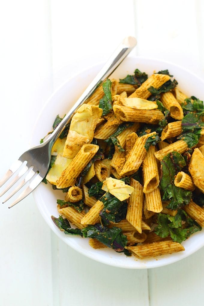 Get ready for your next summer BBQ or dinner party with this Sun-Dried Tomato Pesto Pasta Salad with Kale and Artichokes. Balance your carbs with veggies without sacrificing on flavor. No one needs to know the recipe is gluten-free too!