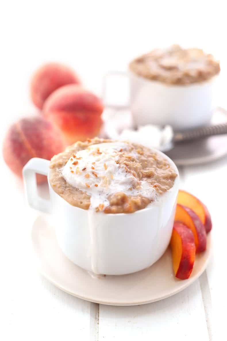 A recipe for slow cooker peach cobbler oatmeal that can be made overnight in the slow cooker #slowcooker #oatmeal