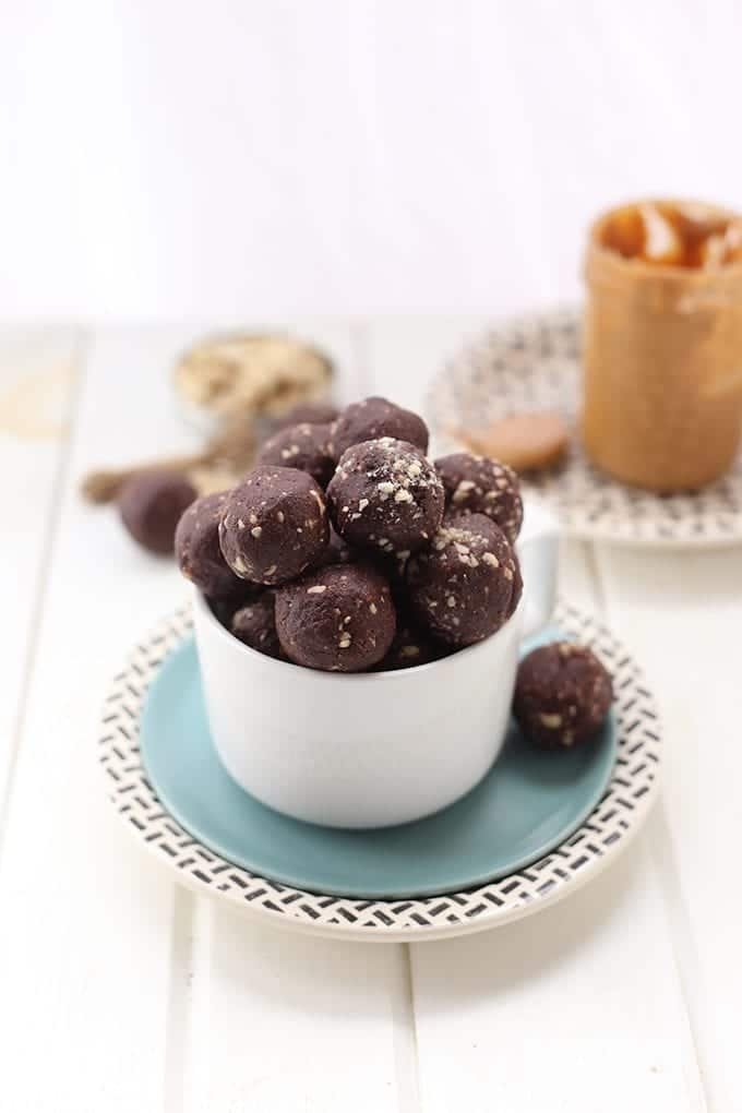 Add a little crunch to your energy balls with these Crunchy Peanut Butter Chocolate Energy Balls. Made with just 4 Ingredients, this healthy snack recipe will become a weekly staple!