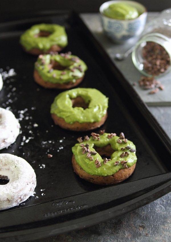 Avocado-Donuts