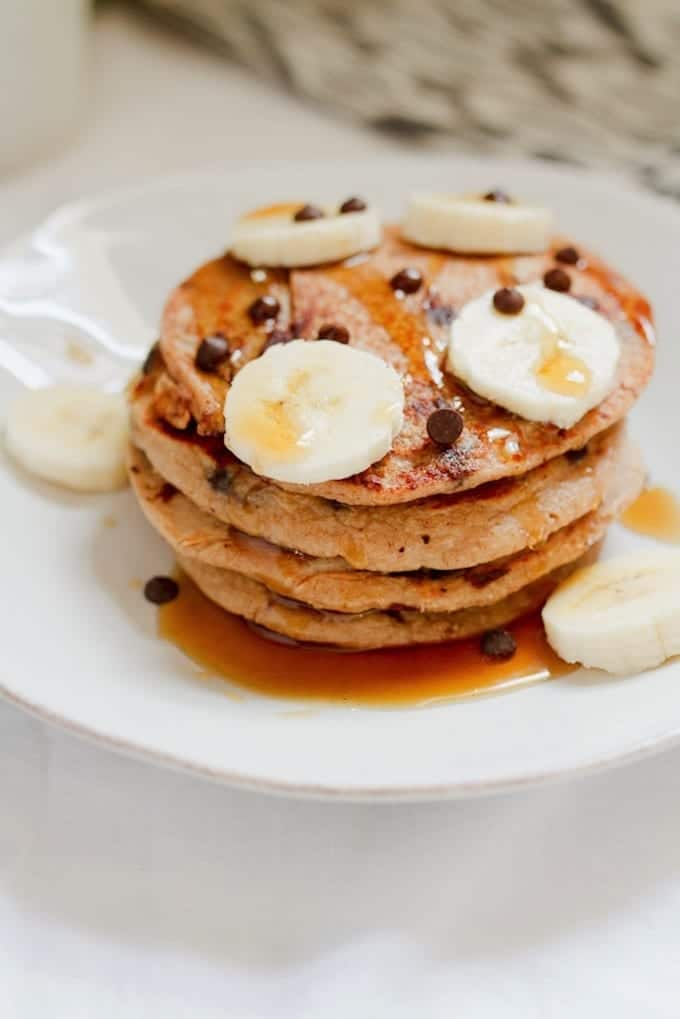 chocolate-chip-protein-pancakes