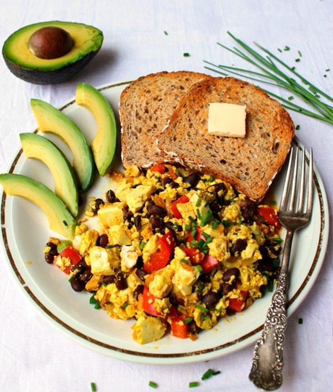 vegan-hearty-tofu-scramble