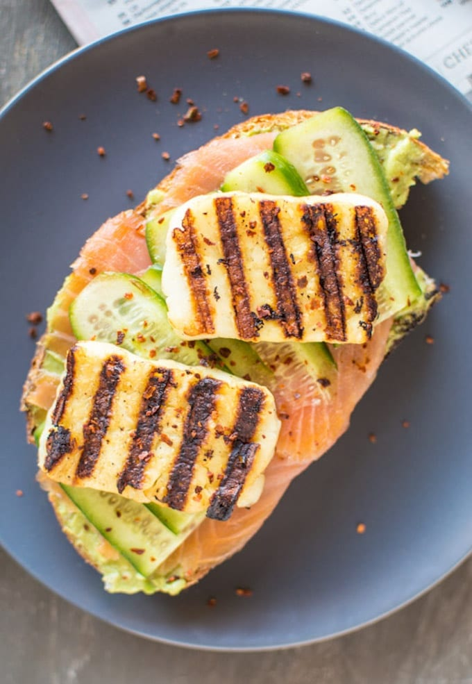 Smoked-Salmon-and-Grilled-Halloumi-Avocado-Toast-3