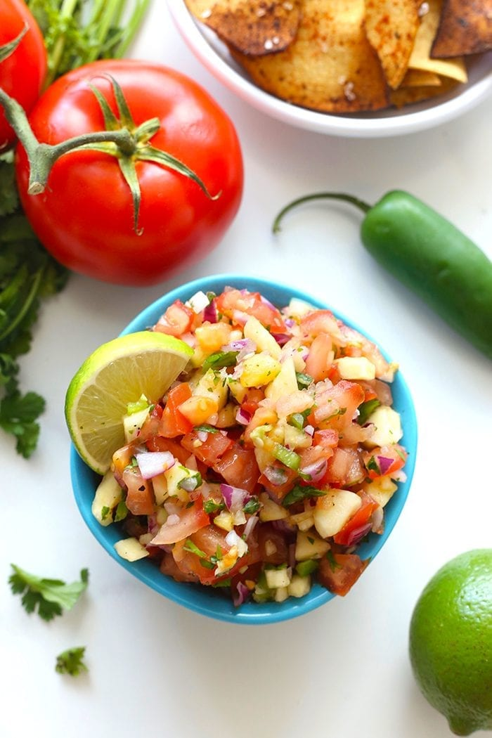 No need to buy store-bought with this sweet and spicy easy pineapple salsa. The perfect way to jazz up your salsa with a tropical twist. This will be your new favorite salsa recipe!