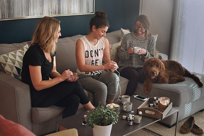 From hair to nails to skin, this post will show you how to throw a DIY Spa Night for the perfect night of relaxation and rejuvenation with the ladies! With help from Aura Cacia Essential Oil Blends spa night is just one DIY away.