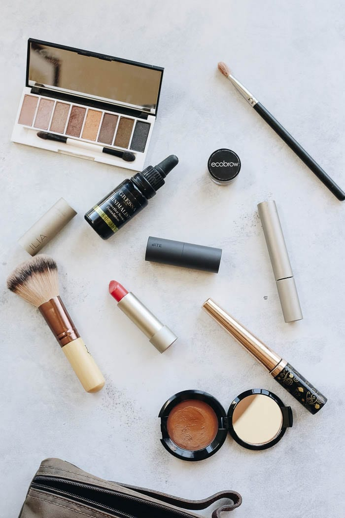 Looking to switch over your makeup products to more natural options? I'm teaching you how to greenify your makeup bag and ditch your old, toxic makeup products.