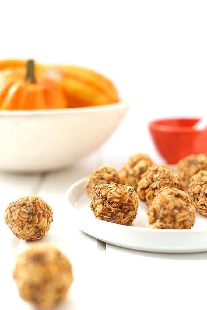 Pumpkin-Spice-Oatmeal-Energy-Balls-3