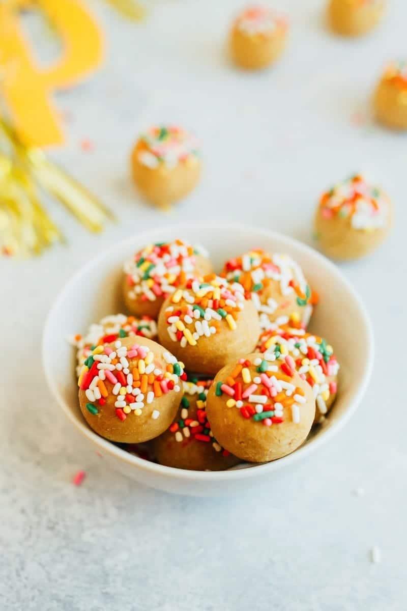 Vanilla-Cake-Balls-Bowl