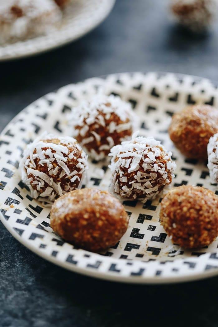 mango-almond-energy-balls-6