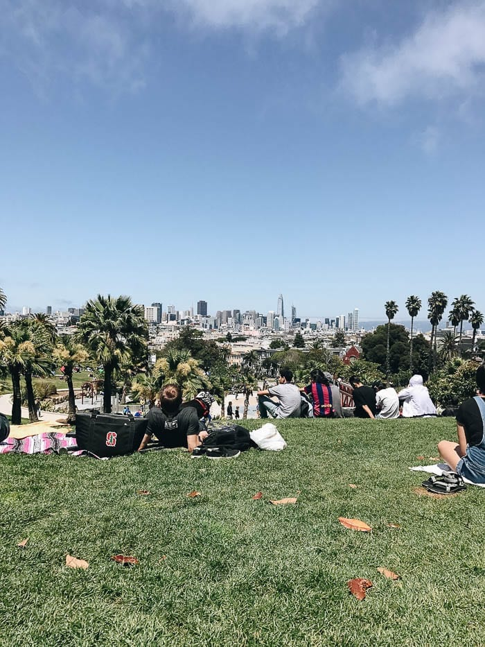 It's been 6 months in San Francisco so I thought I'd write down my initial thoughts about the city and answer your questions if you you're planning on moving to or visiting SF!