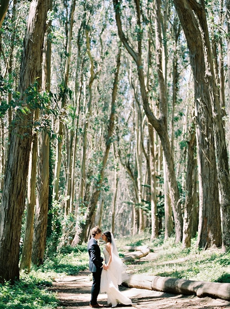 First look at Lover's Lane In The Presidio - A green and white San Francisco, California eucalyptus-inspired wedding #wedding #weddinginspo #sanfrancisco