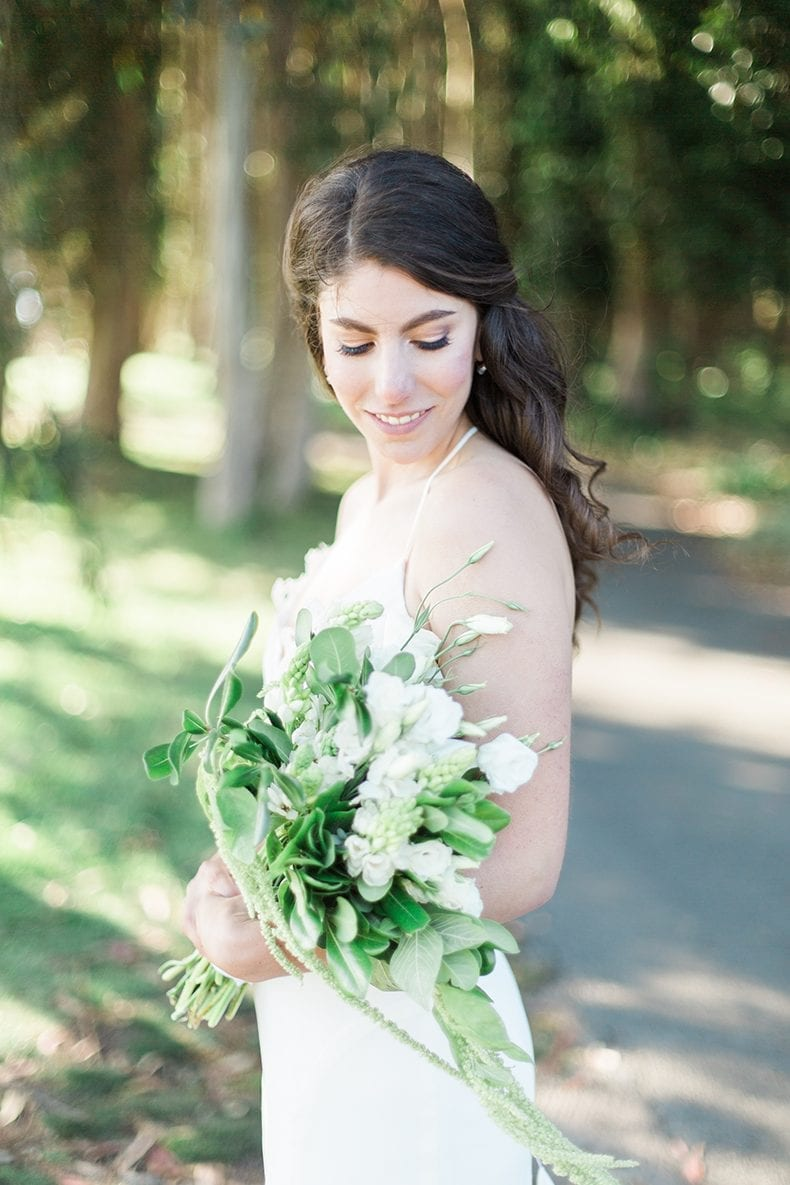 DIY Green and White Wedding Bouquet #wedding #weddinginspiration