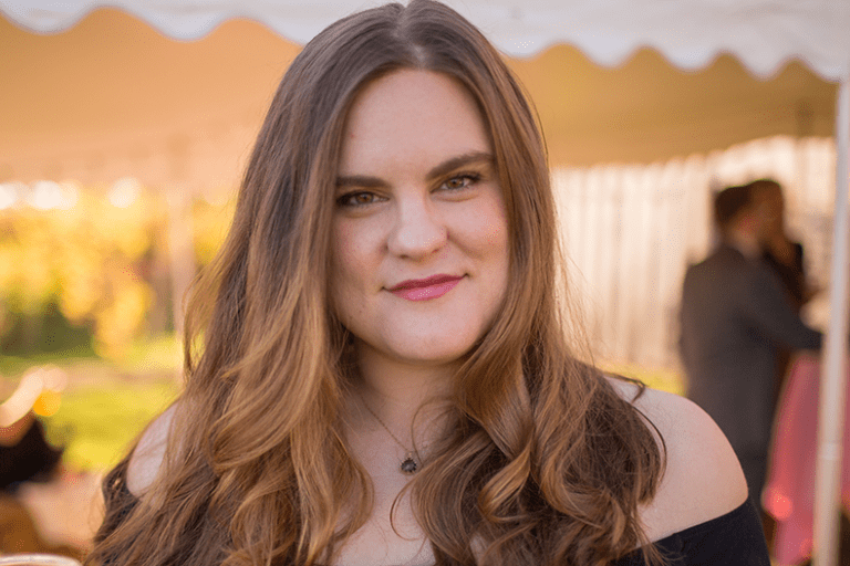 On Episode 72 of That's So Maven, Davida is interviewing Kelsey Miller, an anti-diet writer and advocate all about learning to embrace her body and ditch the diets for good.