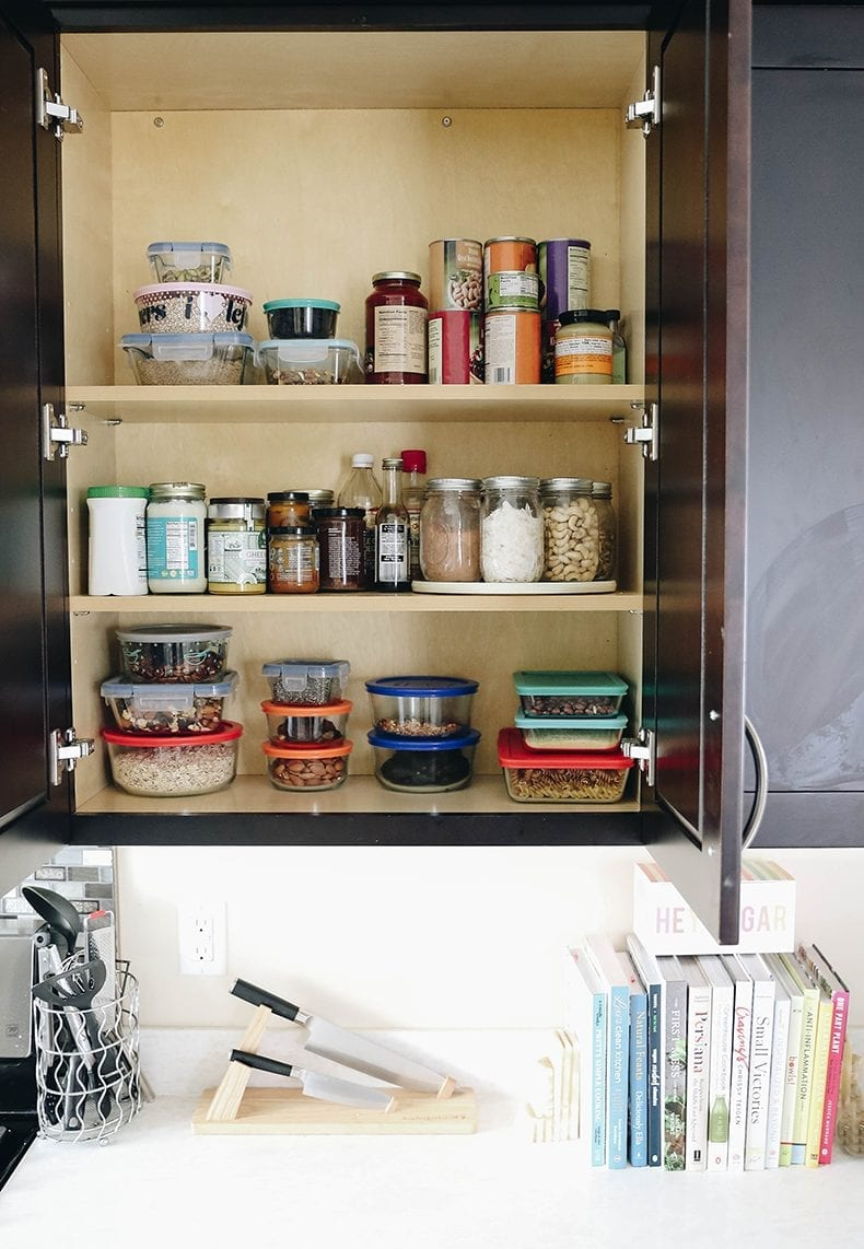 Looking to become a greener cook? Here are several tips to build a more sustainable kitchen, support your body and the planet and how to get started on this journey today.
