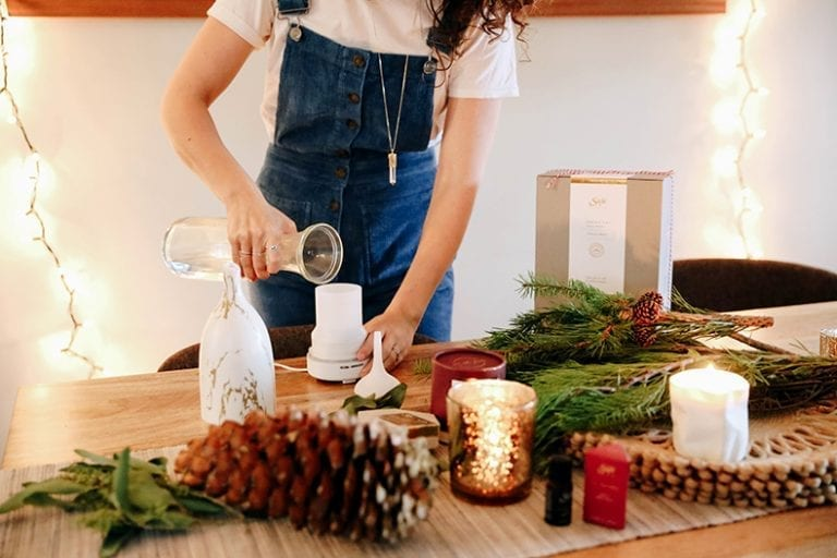 This is The Conscious Consumer's Holiday Gift Guide, made for anyone out there that wants an eco-friendly gift guide this holiday season to offer friends and family the gift that just keeps giving.