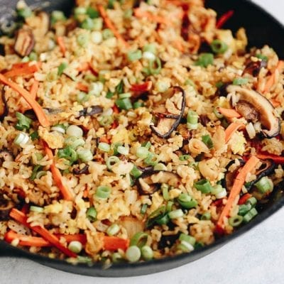 Healthy Kimchi Fried Rice for a weeknight meal packed full of veggies and gut-healthy kimchi! #kimchi #friedrice