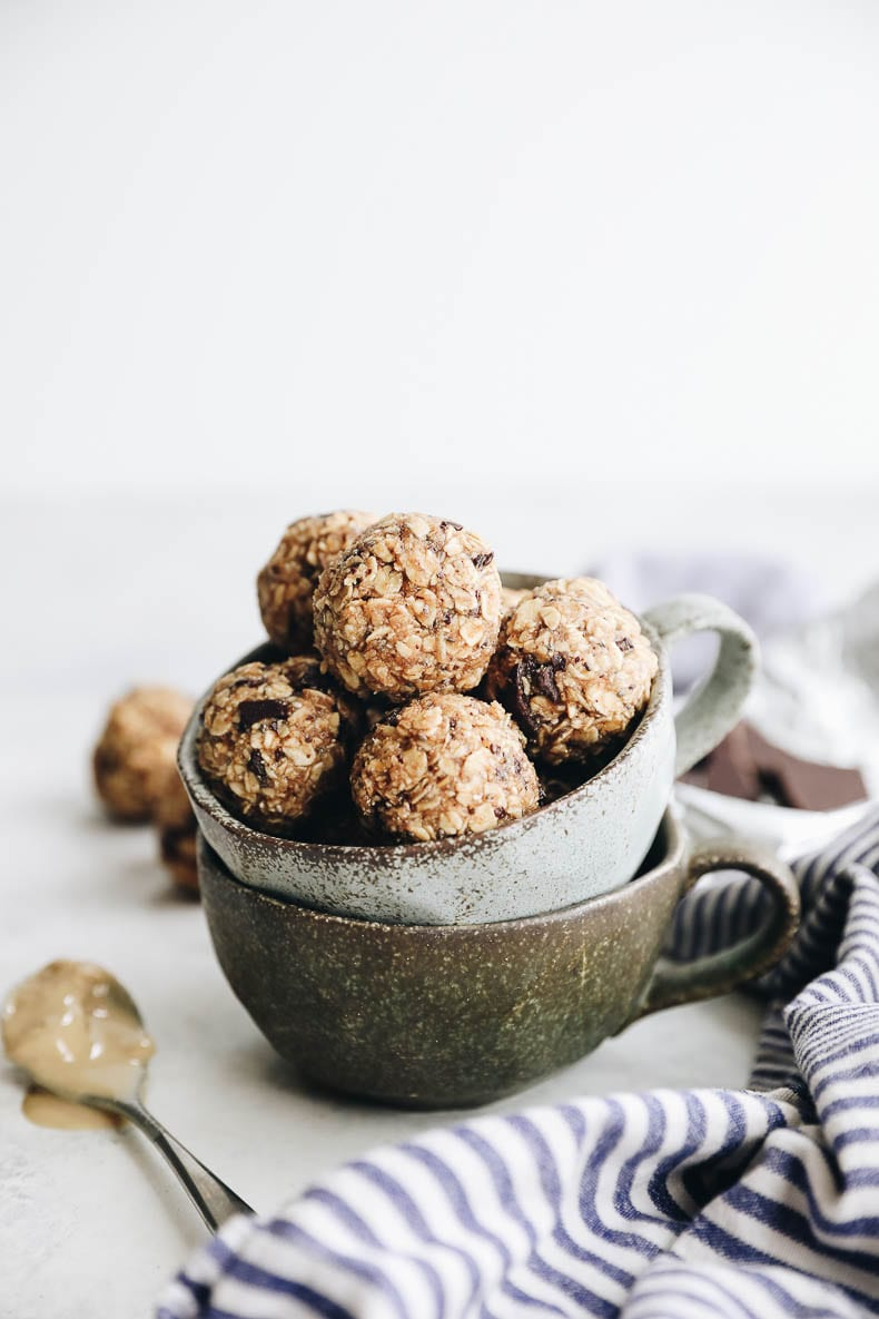 The perfect and easy snack that's nut-free! You will love the No-Bake Tahini Energy Balls with protein powder and chocolate chips! #nobake #snack
